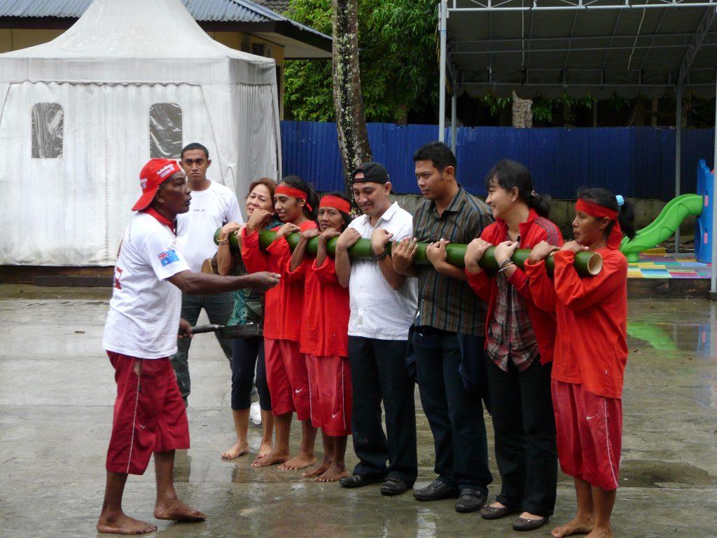 Готови за летене с луд бамбук на Молукските острови в Индонезия