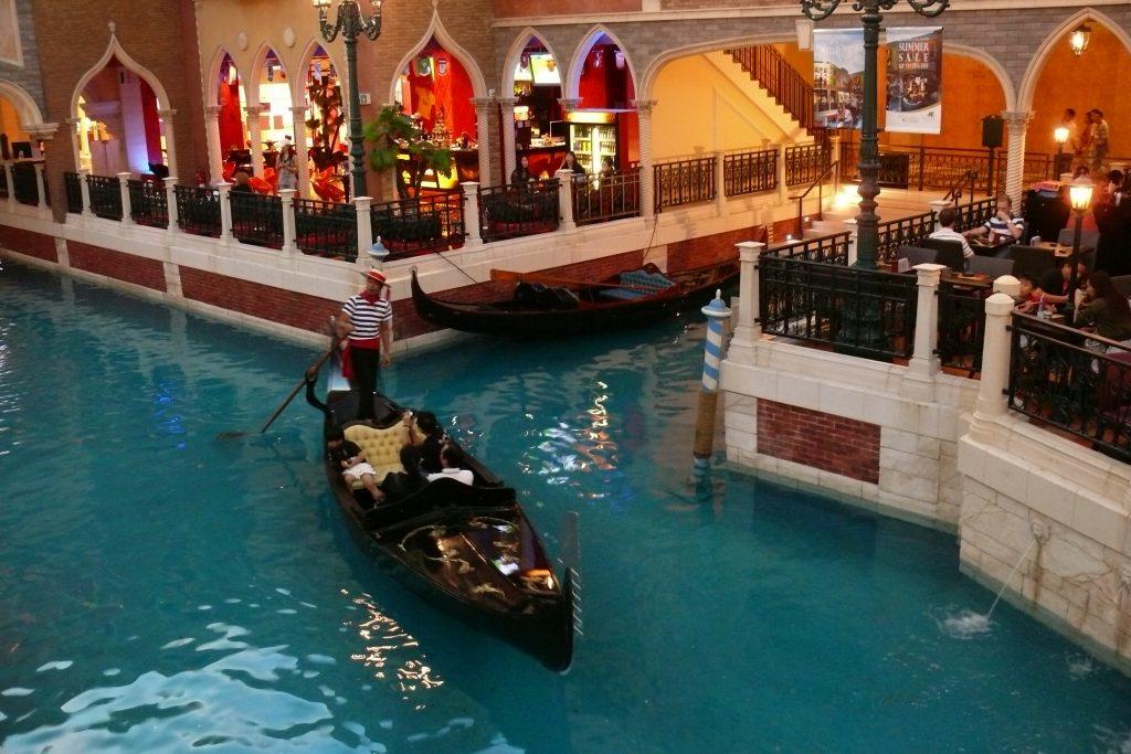 Канале Гранде  в казиното в Макао  Venetian