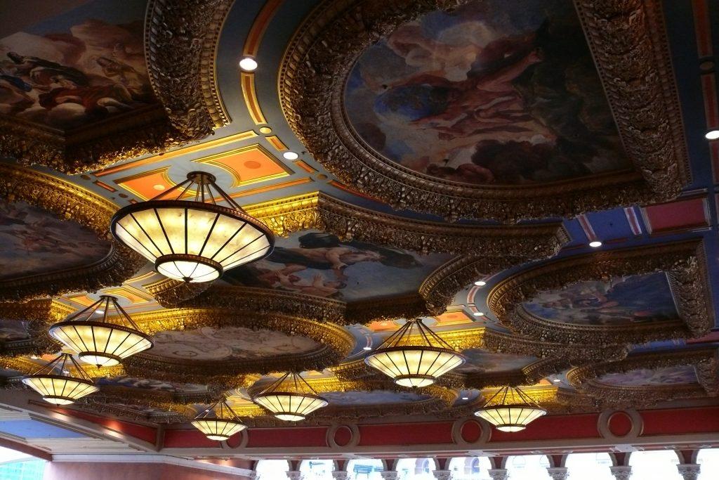 Таванът  в казиното в Макао  Venetian