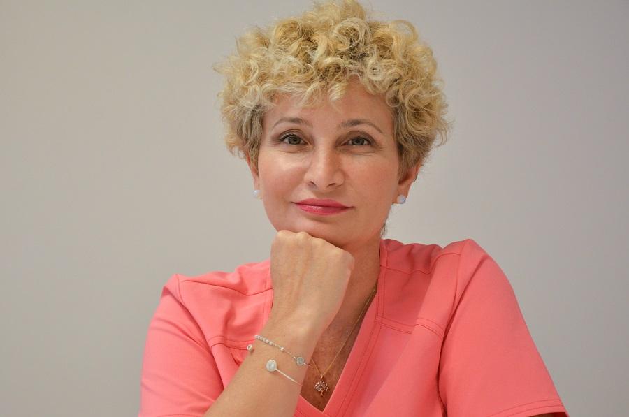 """Д-р Ана Пейкова от клиника Дерма-ЕЛИТ на ул. """"Мур"""" 72"""