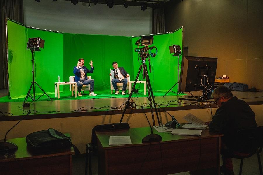 Водещите на стрийминг програмата- Михаил Дюзев и Иво Райчев фотограф: Росина Пенчева