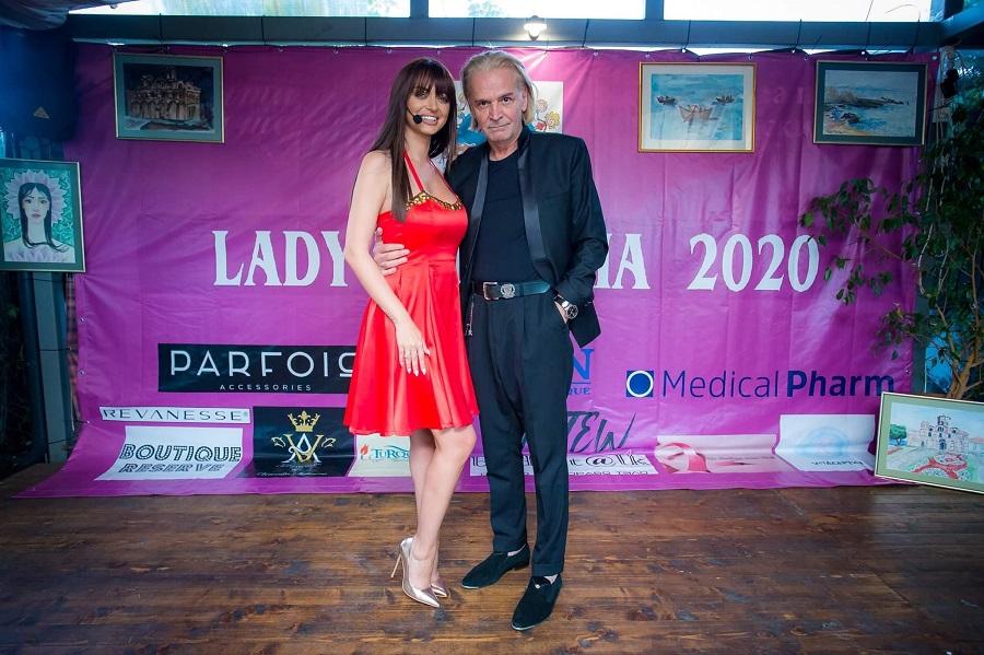 """Водещи на събитието бяха  носителката на титлата """"Лейди България"""" – Елизабет Методиева и актьорът Ники Сотиров."""
