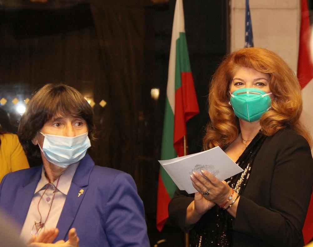 Зонта клуб София чества 25 години с филм и с маски