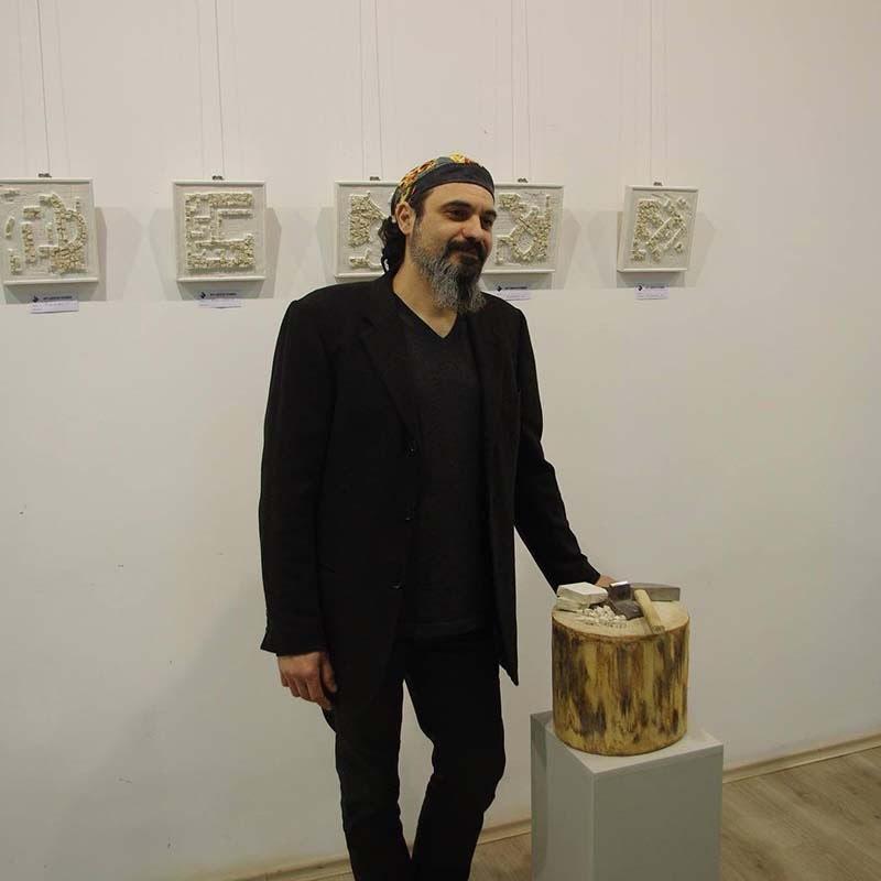 Страхил Найденов представя изкуството на мозайката