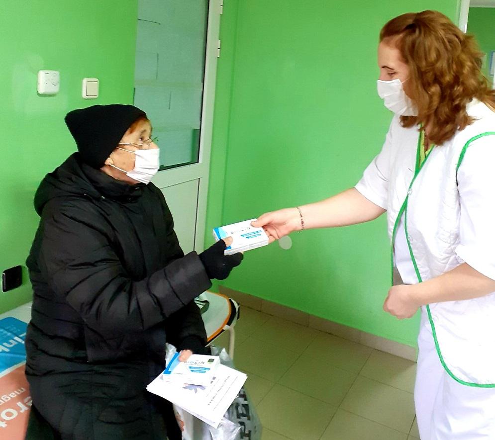 Имуностимуланти и хранителни добавки за повече от 2 000 възрастни  в 23 населени места
