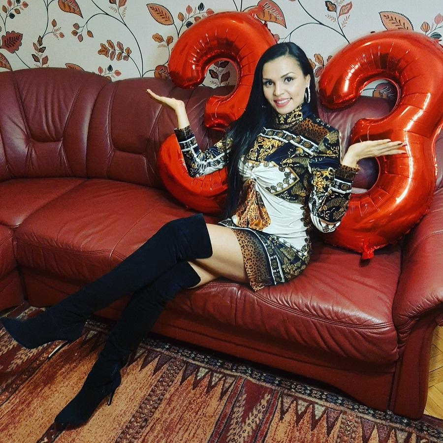 Цвети Радойчева отпразнува 33-и рожден ден със собствена био торта