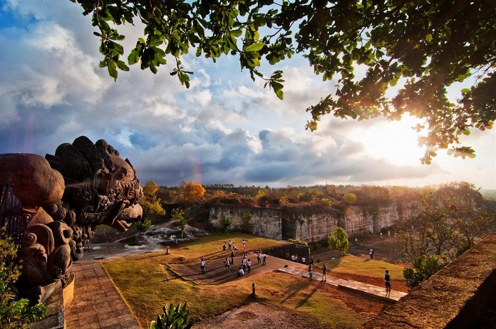 Гаруда Вишну Кенчана - паркът на остров Бали, където е пял Стинг