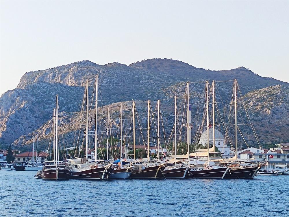 С яхта до ликийските гробници и родното място на дядо Коледа
