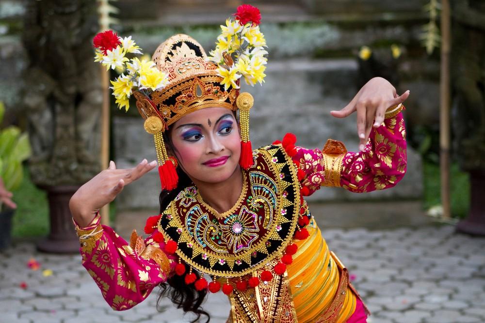 Гаруда Вишну Кенчана парк на остров Бали