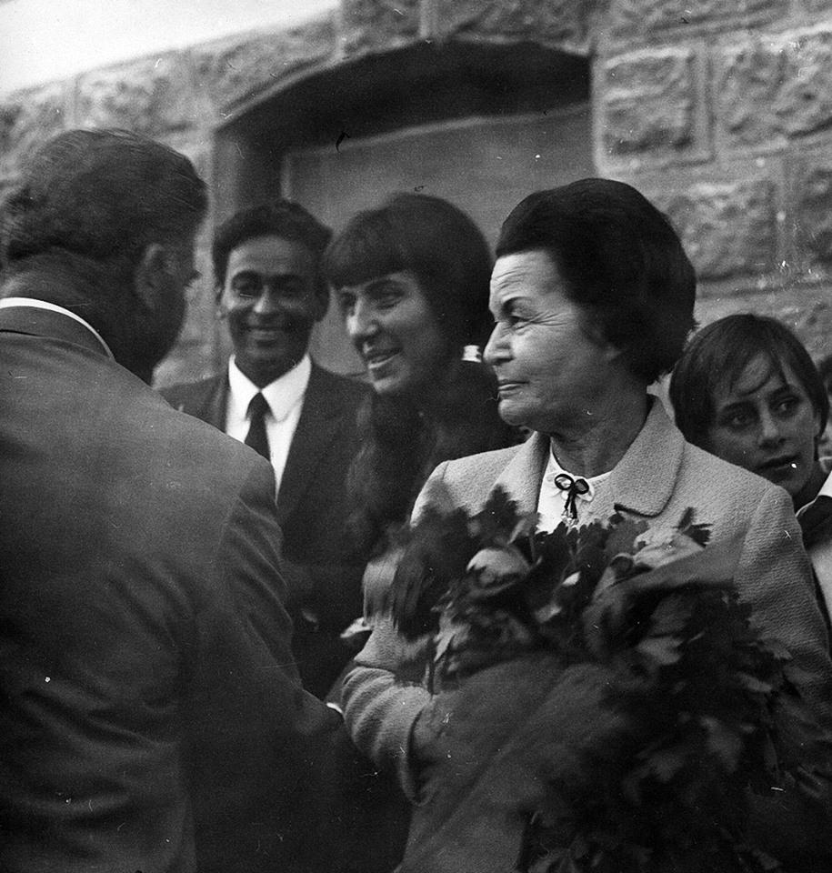 Ваня Петкова със съпруга си Нури Садик и Елисавета Багряна