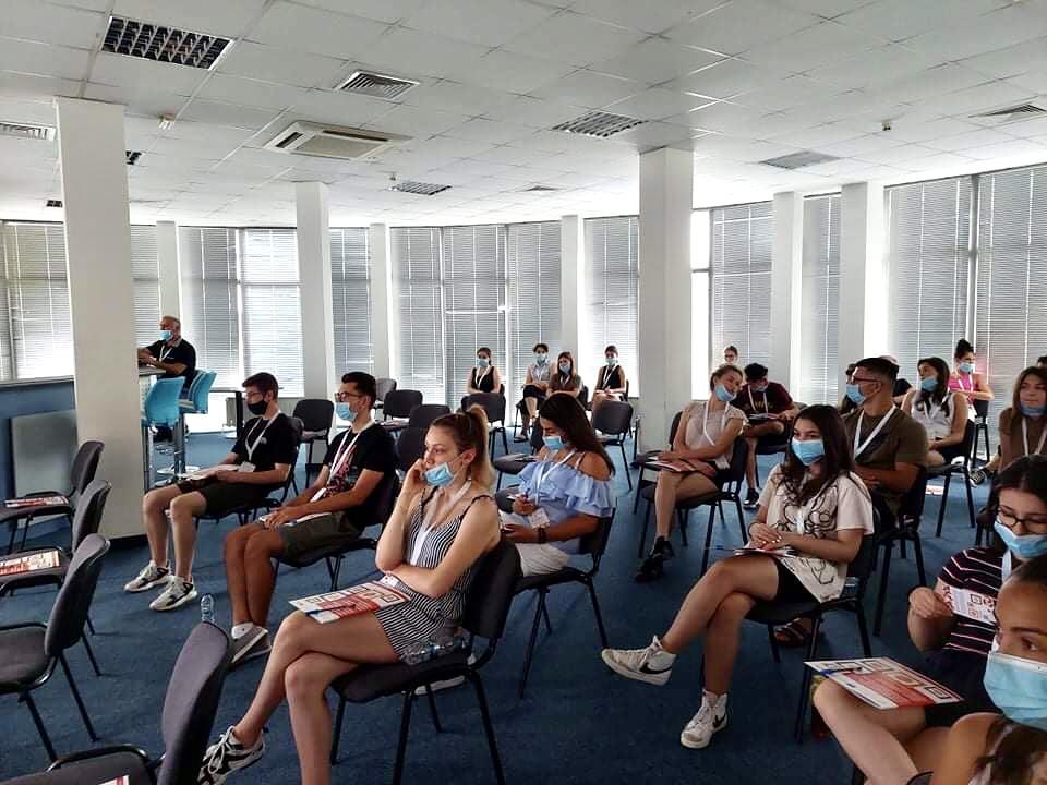 Младежи от българската диаспора изграждат споделени ценности, умения и компетентности на семинар на Фондация Българска памет